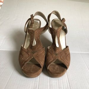 Faux Suede platform women's shoes size 11 brown